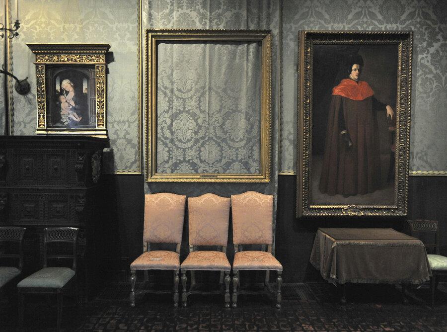 25 years after art heist empty frames still hang in bostons gardner museum - Museum Frames