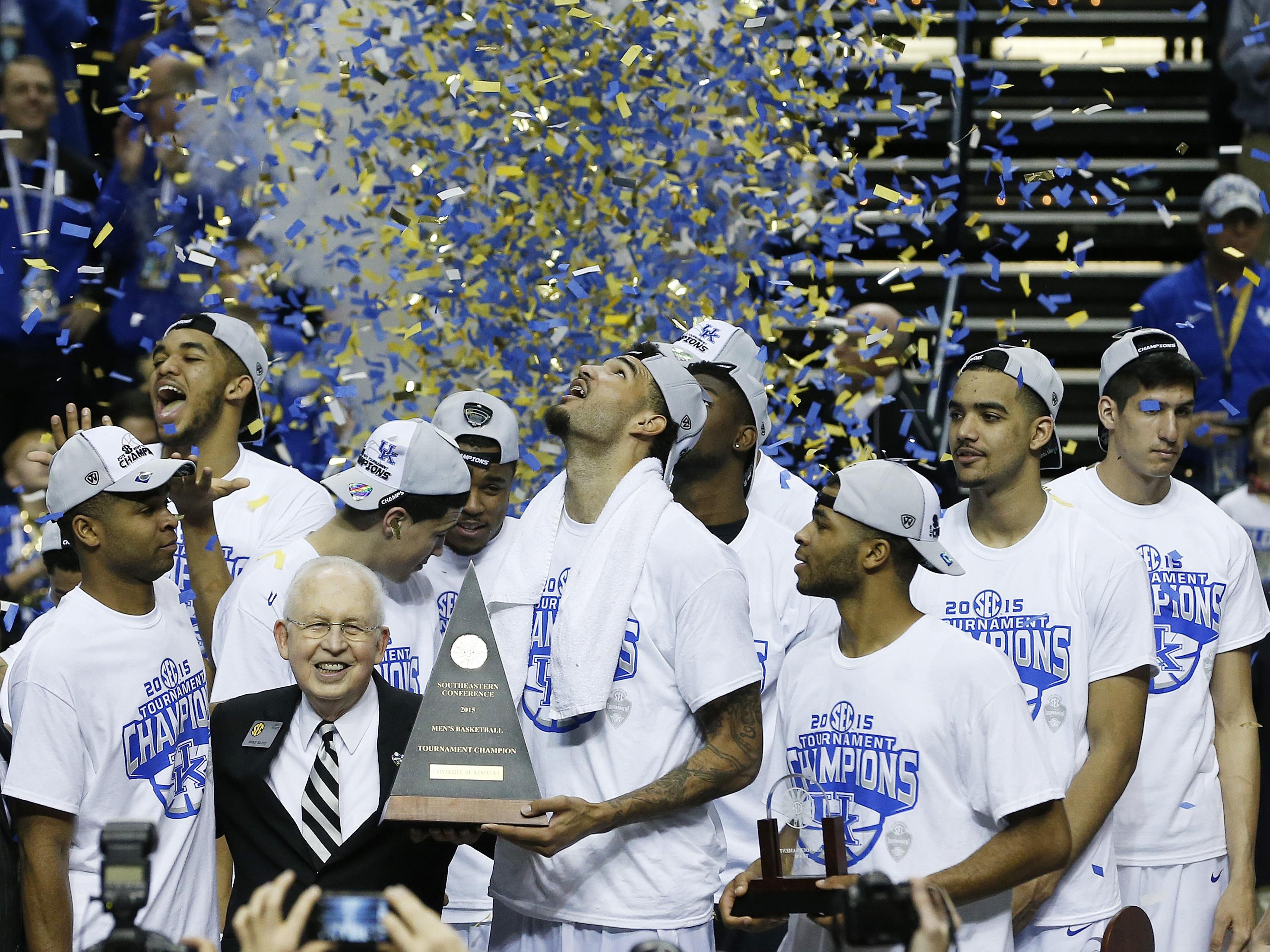 Obama Picks Kentucky To Win NCAA Tournament, Mixes In Politics