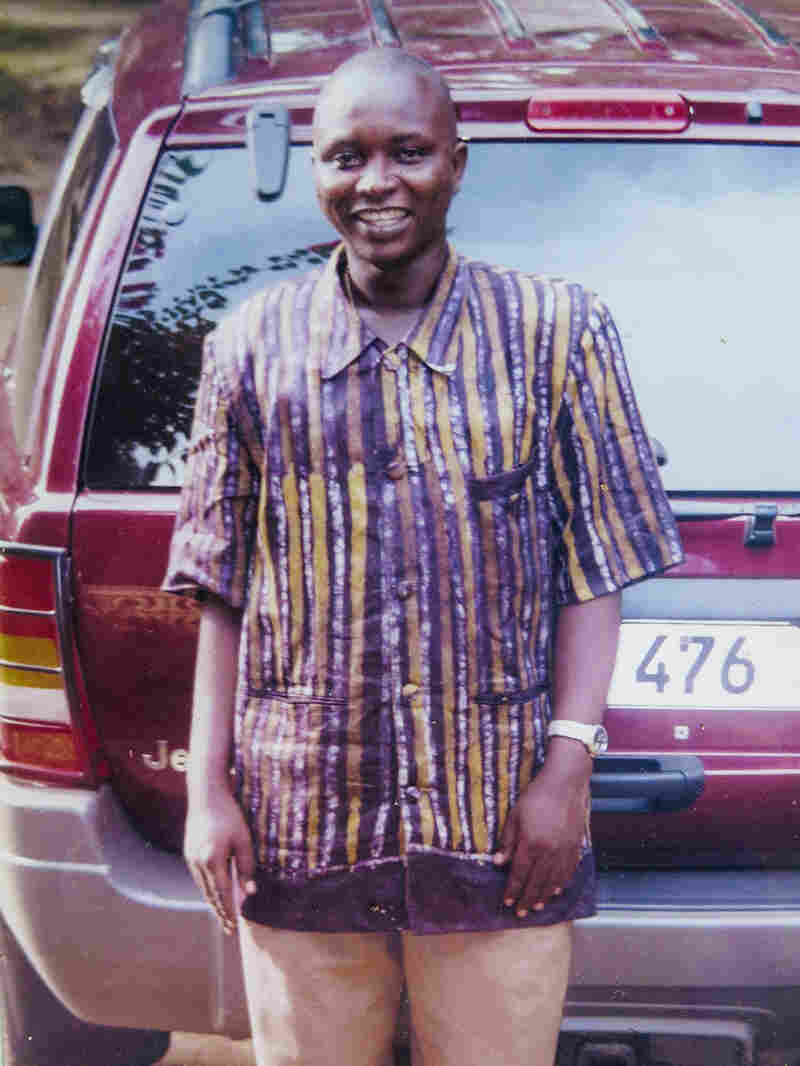 """To Sierra Leoneans, he was the """"Ebola doctor."""" To his family, Sheik Humar Khan was the kid brother."""