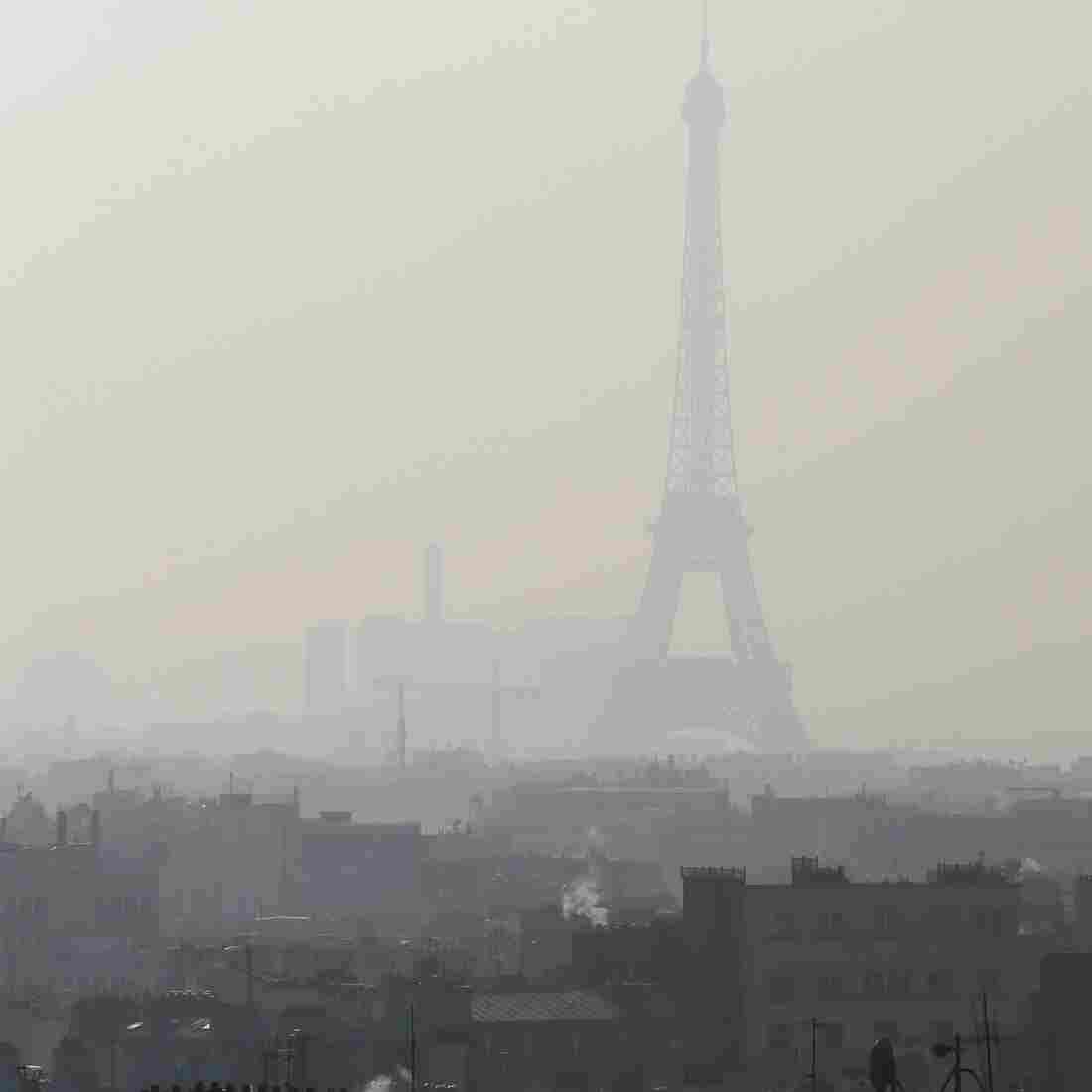 Paris Bans Some Cars For A Day To Battle Smog