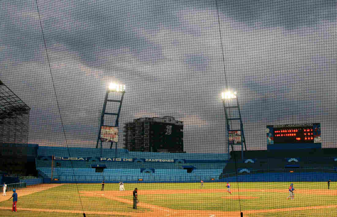 The Industriales, whose home field is Havana's Latin American Stadium, ultimately miss the playoffs, losing the last six games of the season.