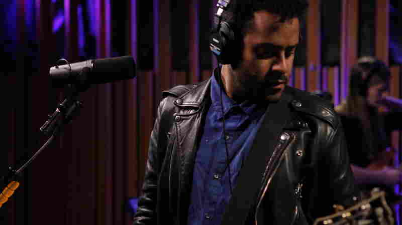 Twin Shadow, 'Eclipse' (Live)