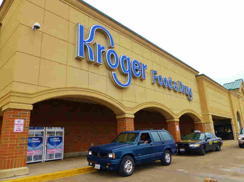 Big grocery chains like Kroger are beginning to experiment with smaller-format stores, says Lempert.