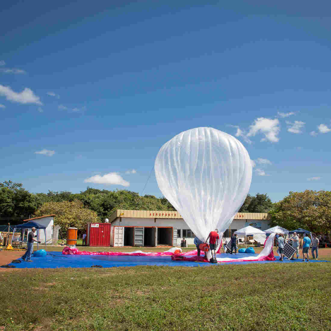 Google is doing test flights of its balloons carrying Internet routers around the world. Last June, a balloon was released at the airport in Teresina, Brazil.
