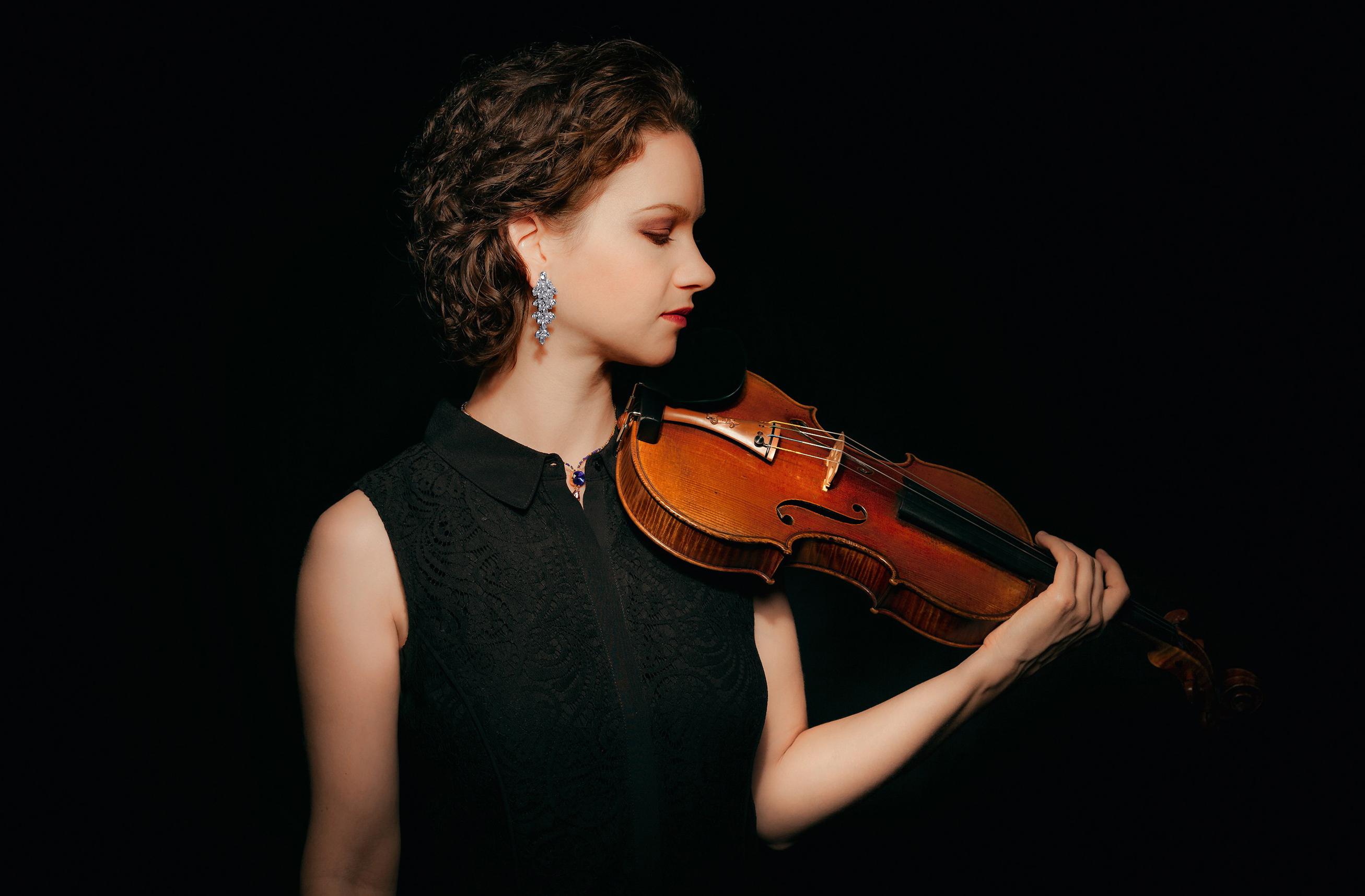 Hilary Hahn Marches Through Mozart