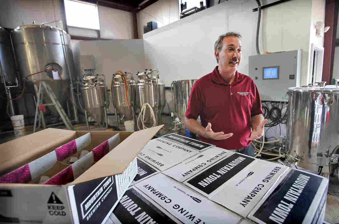 """Central Michigan University has announced a new certificate program in """"fermentation science,"""" and James Holton's company, Mountain Town Station Brewing Co., will help give CMU students hands-on brewing experience."""