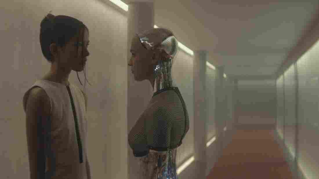 Sonoya Mizuno and Alicia Vikander in Ex-Machina.