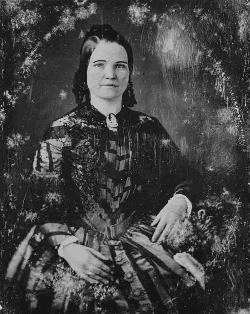 """According to Roberts, Mary Todd Lincoln could have """"tremendous flare-ups of temper,"""" but she was also smart and politically savvy."""
