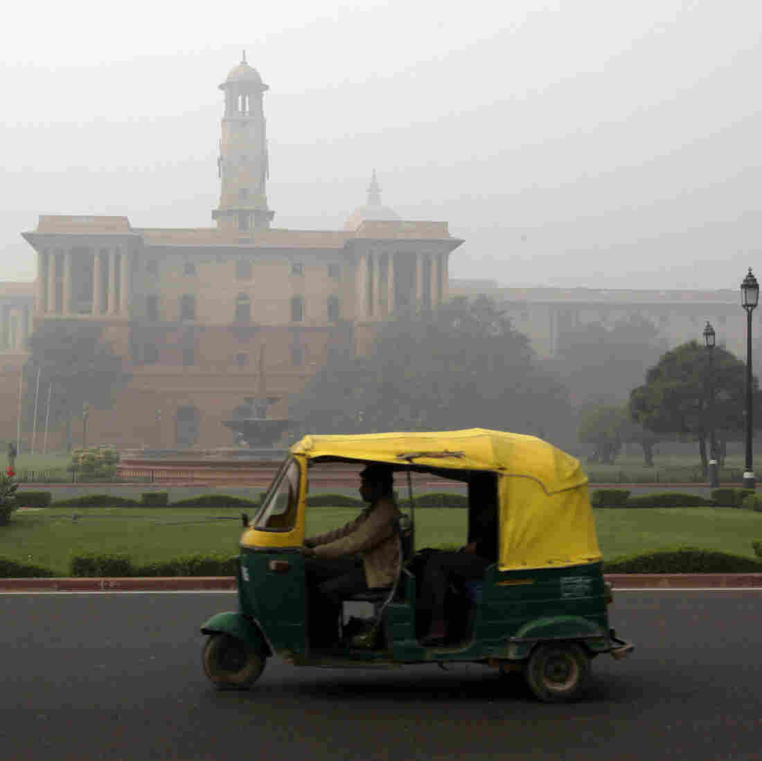 Uber Launches Cash-Only Rickshaw Service In Indian Capital