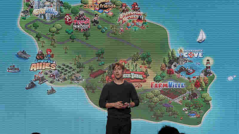 Zynga CEO Mark Pincus gives a presentation in 2011.