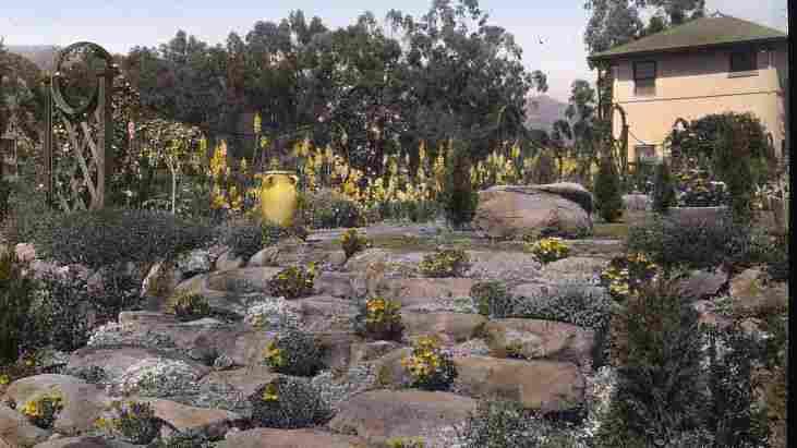 A rock garden at Casa de Mariposa in Montecito, Calif., 1917.