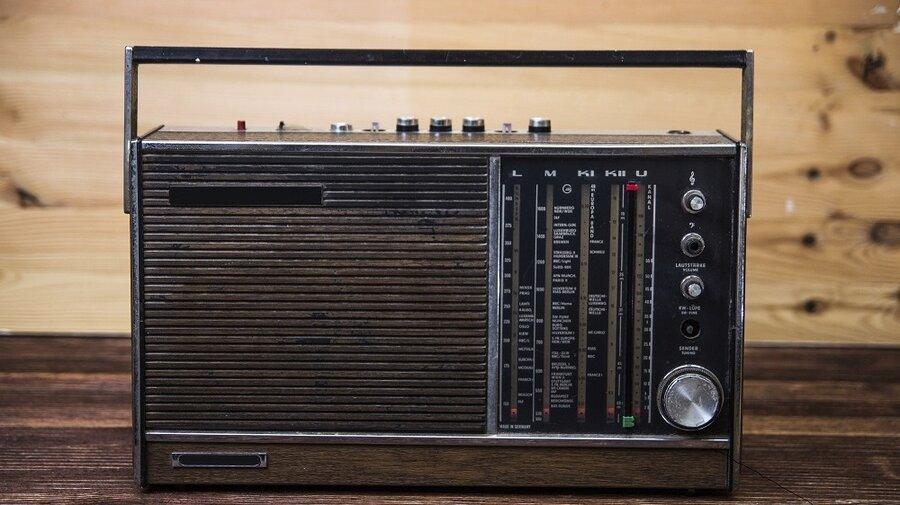 norway becoming first country to eliminate fm radio the two way