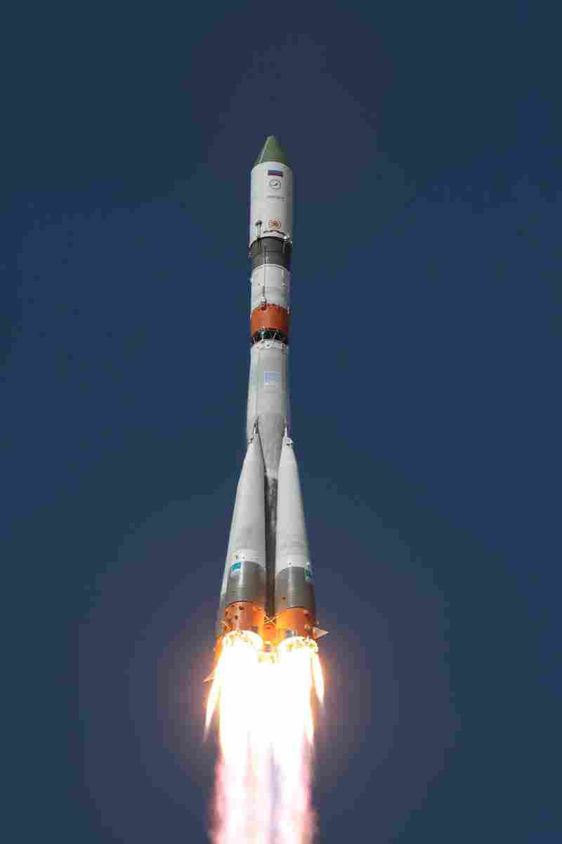 A Russian launch vehicle carrying the Progress M-27M cargo ship lifts off from the Baikonur cosmodrome in Kazakhstan on Tuesday. Fears mounted Wednesday that the unmanned cargo capsule was lost and may plunge back to Earth as ground control failed to gain control of the orbiting ship for a second day in a row.