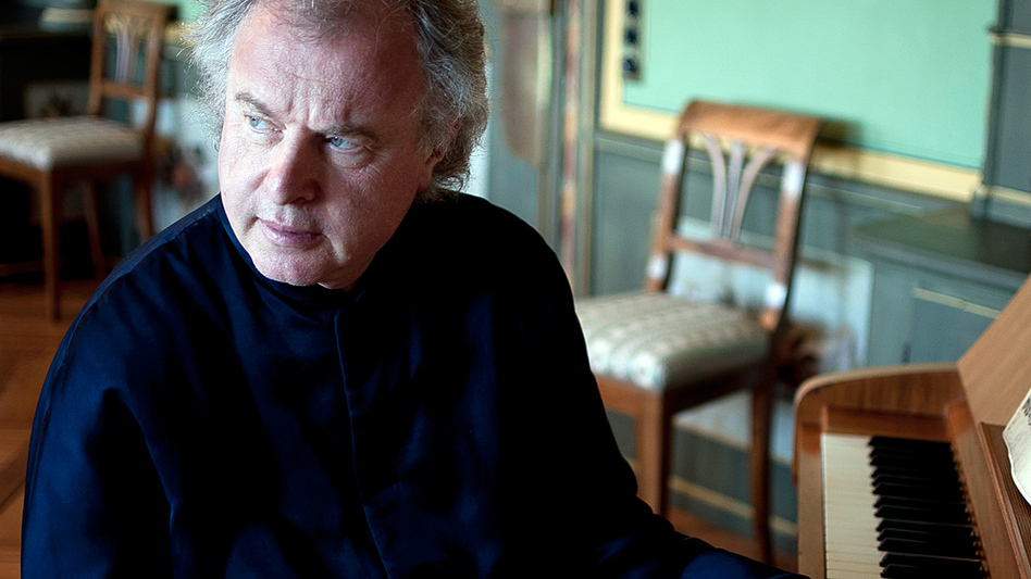 Andras Schiff had a change of heart when it comes to the fortepiano. (ECM Records)