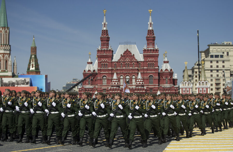 at russias huge wwii remembrance an absence of western leaders