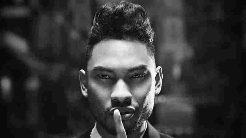 R&B singer Miguel is causing a commotion in the Alt.Latino studios.