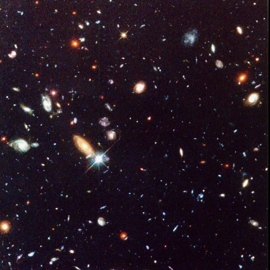 elliptical galaxies football shaped - photo #17