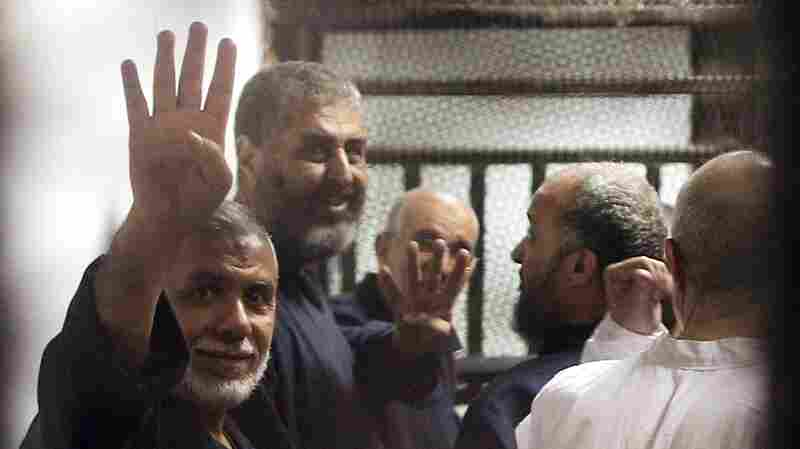 Egyptian Court Hands Morsi A Death Sentence