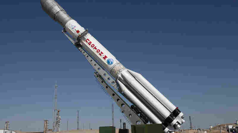 A Proton-M rocket shown in 2013. The same type of rocket malfunctioned in mid-flight on Saturday and crashed over Siberia carrying a Mexican communications satellite.