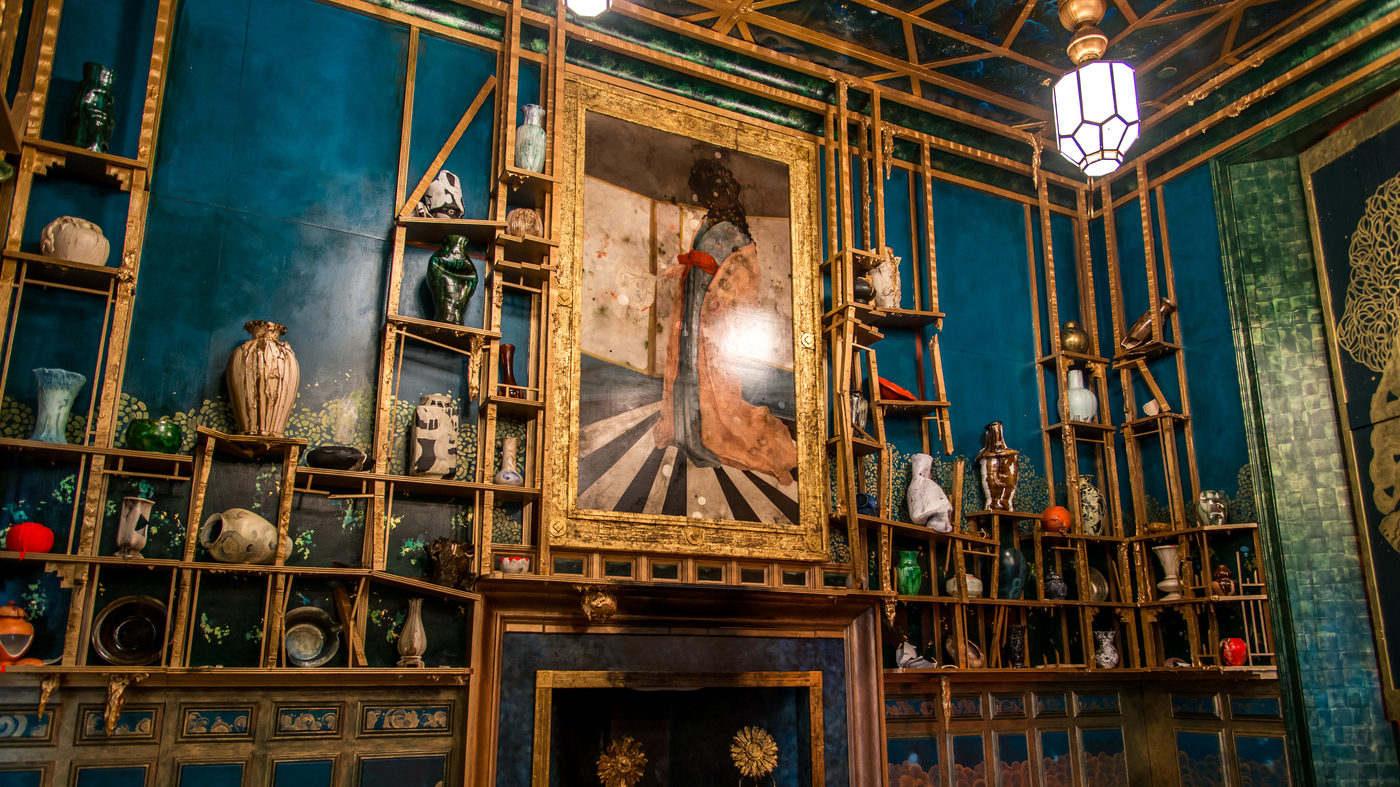 Two Smithsonian institutions have given artist Darren Waterston their blessings as he reimagines James McNeill Whistler's lavish and legendary 19th century artwork as an utter ruin.