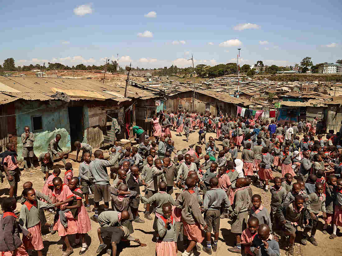 In the slums of Mathare, in Nairobi, Kenya, the Valley View School barely has enough room for students to play during recess. Classes take place in crowded concrete structures that measure 13 feet by 20 feet.