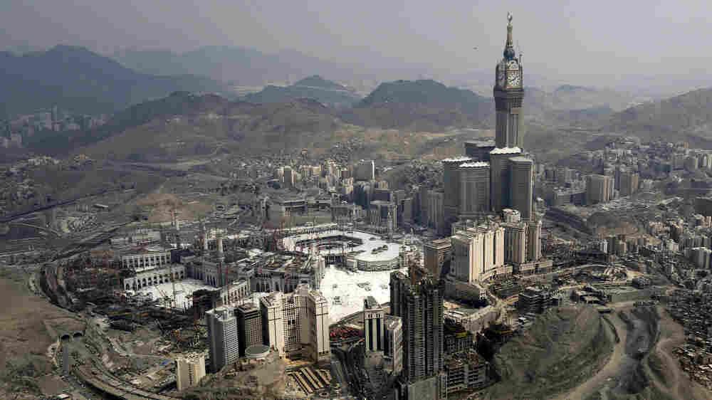 Mecca Becomes A Mecca For Skyscraper Hotels