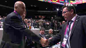 At FIFA Meeting, Israeli And Palestinian Delegates Shake Hands