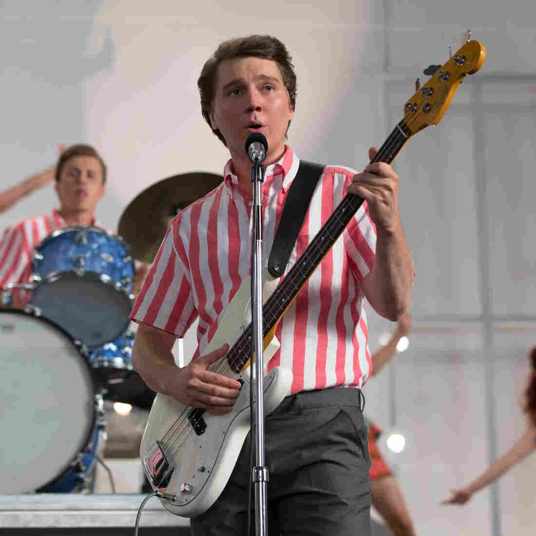 A Simplified Brian Wilson In 'Love And Mercy'
