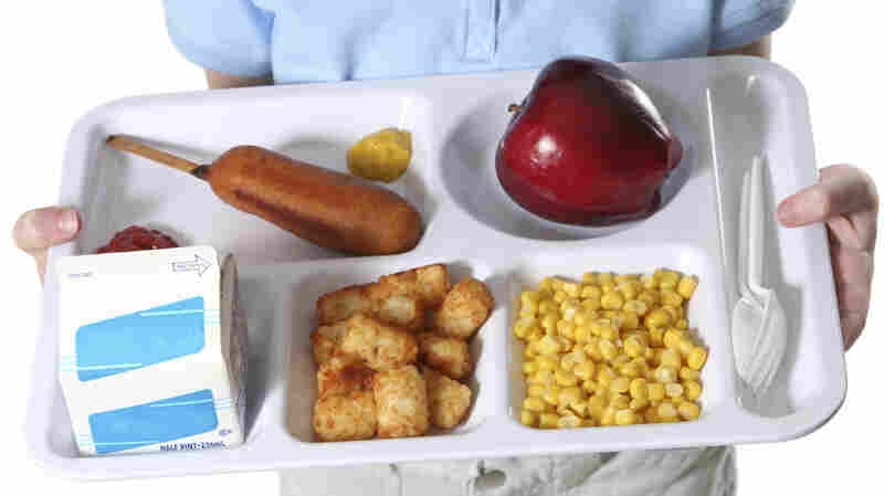 """Dakota Valley Elementary School kitchen manager Della Curry said she """"knew the whole time it was a firing offense"""" to give out free lunches."""