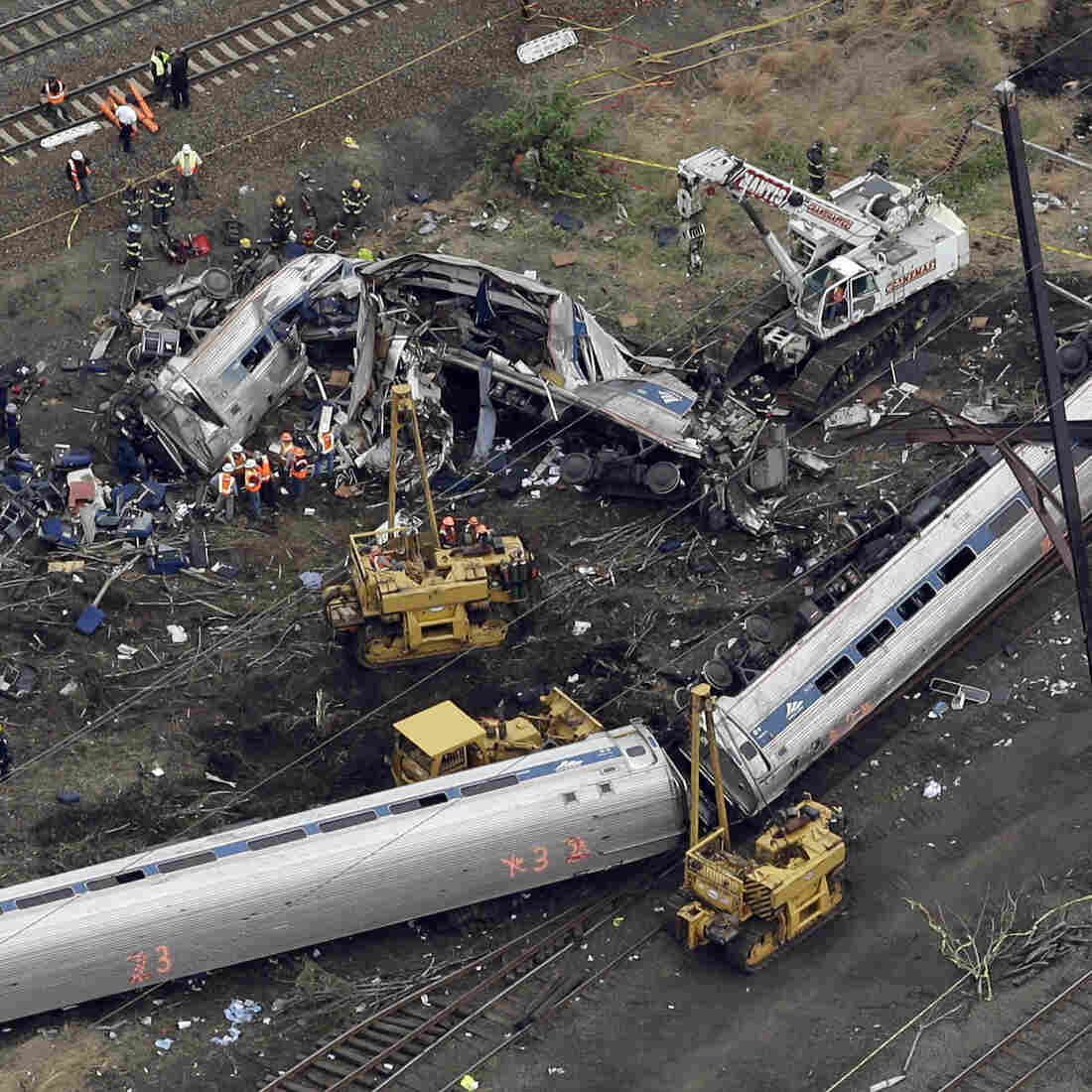 Amtrak Engineer Not On Cellphone Before Philadelphia Derailment, NTSB Says