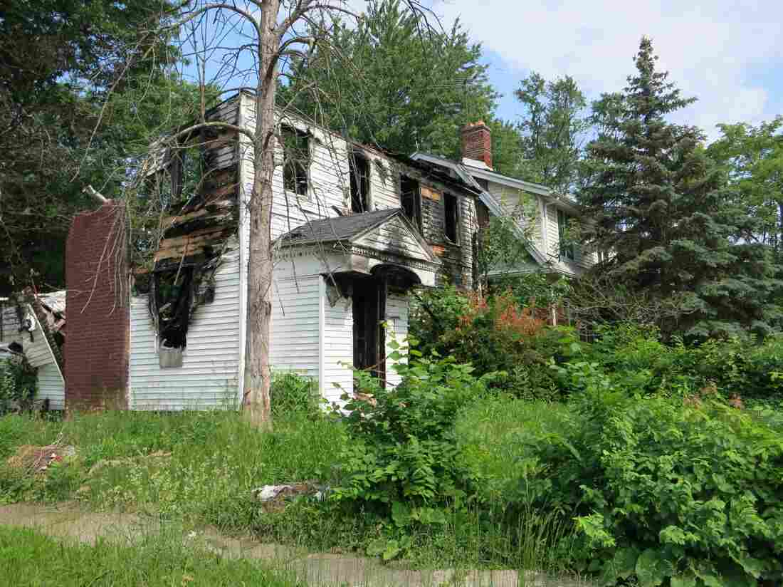 A house that needs to be demolished in Detroit's MorningSide neighborhood.