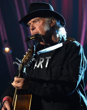 Neil Young says he supports Bernie Sanders — and that Donald Trump shouldn't have used his song
