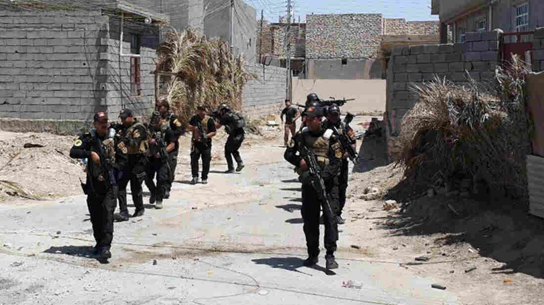 Iraqi forces deploy in Husaybah, several miles east of Ramadi, on June 14. The Iraqi army has performed poorly in the fight against the Islamic State, and soldiers and officers cite a host of problems.