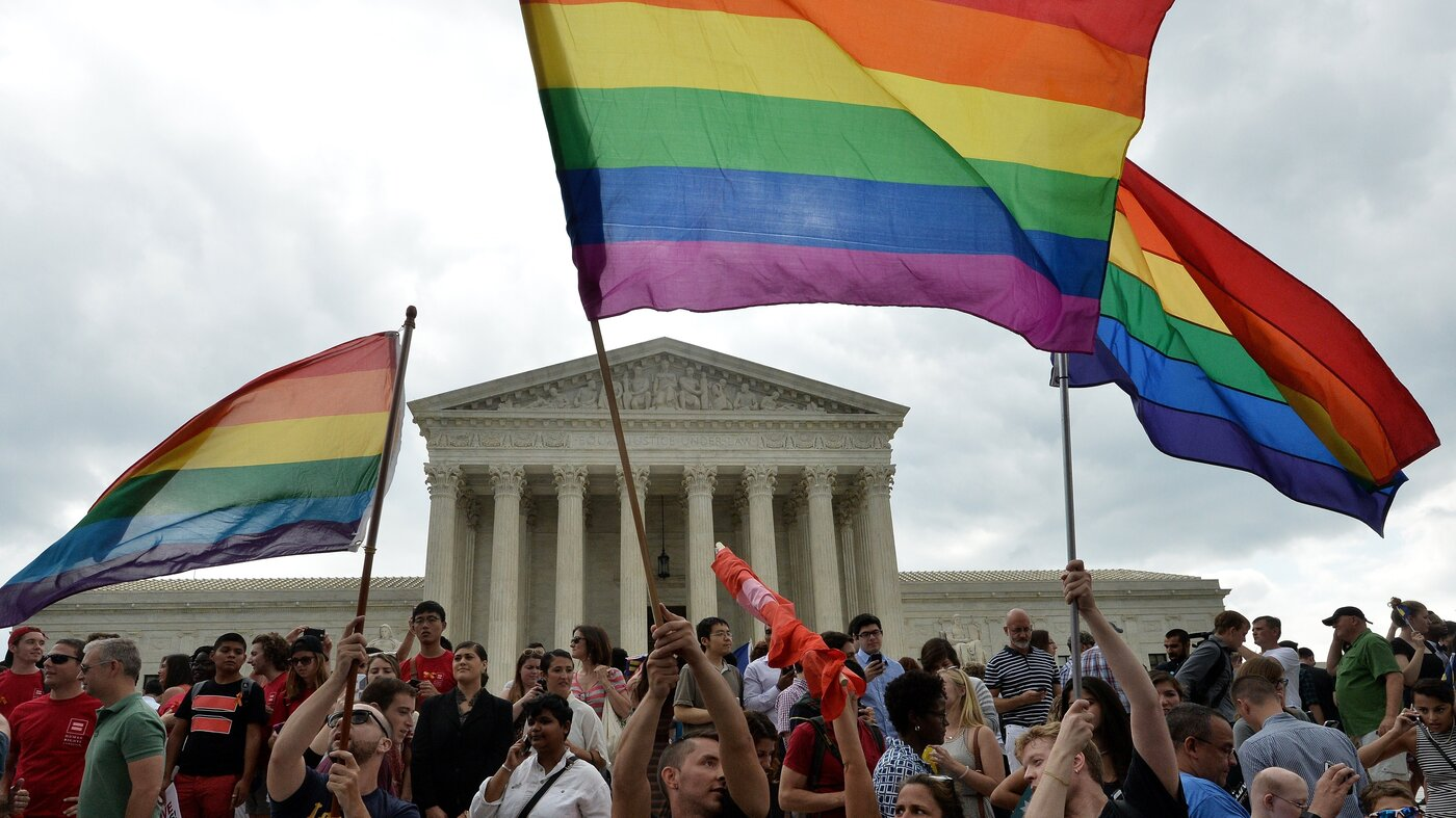 Marriage flags wave in front of Supreme Court as Marriage becomes legal in all 50 states