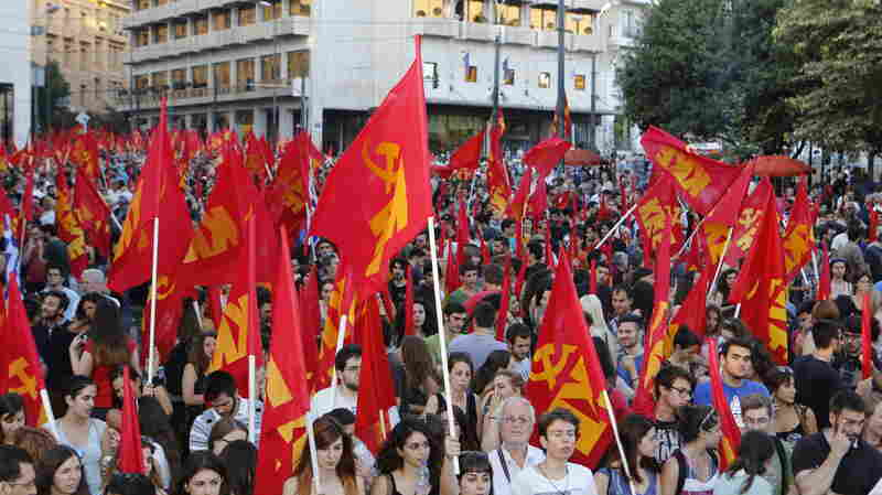 """Thousands of people supporting a """"no"""" vote on the country's referendum rally in Athens on Thursday."""