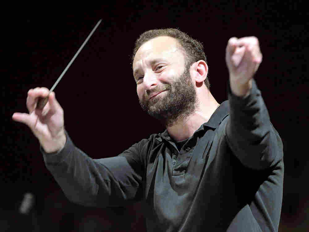 Kirill Petrenko will become the next chief conductor of the Berlin Philharmonic in 2018.