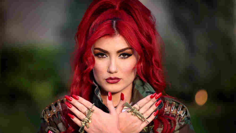 In Iraq, A Kurdish Warrior-Diva Sings Against ISIS, Despite Threats