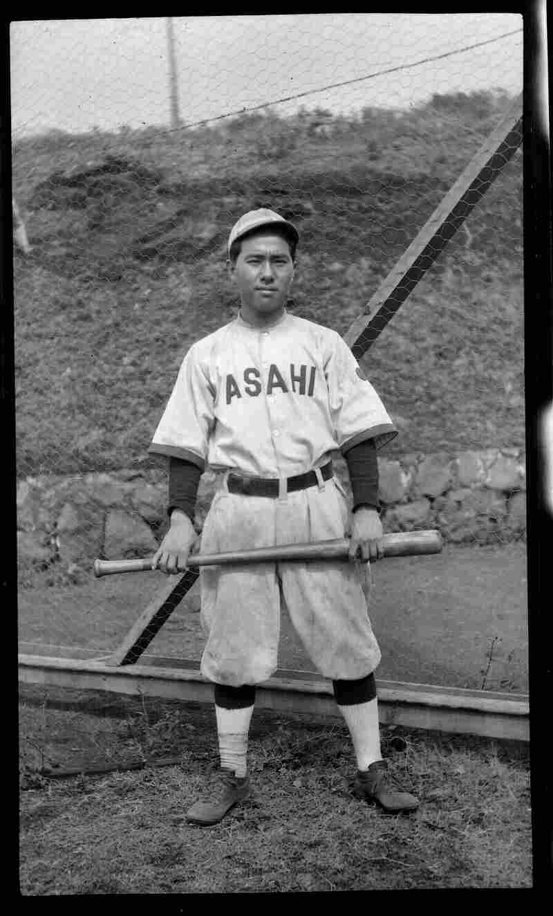 From 1915 to 1920, Zenimura honed his playing and leadership skills as a member of the all-Japanese Hawaiian Asahi, one of the top teams of the semipro Oahu-Service League in Honolulu.