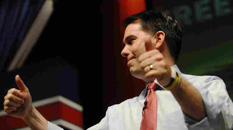 An early win for Wisconsin Gov. Scott Walker in Iowa could propel him far in the 2016 GOP presidential primaries.