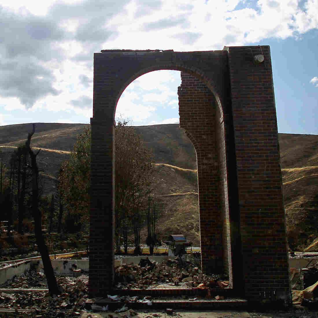 A wildfire raced through the neighborhood of Broadview in Wenatchee, Wash., destroying numerous homes and apple-processing facilities. Fire managers are worried that parts of Washington state are years behind other places in the West when it comes to fire mitigation and prevention.
