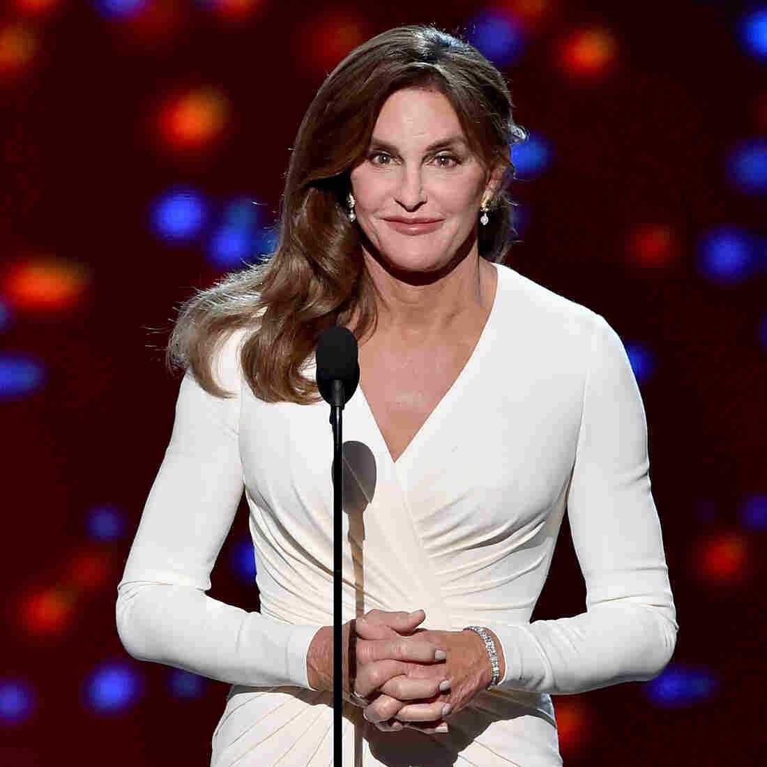 Caitlyn Jenner At ESPYs: Transgender People 'Deserve Your Respect'