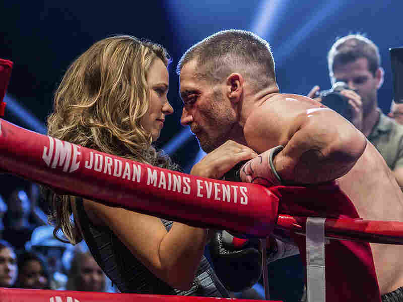 Maureen Hope (Rachel McAdams) confers with her husband Billy (Gyllenhaal) in Southpaw.