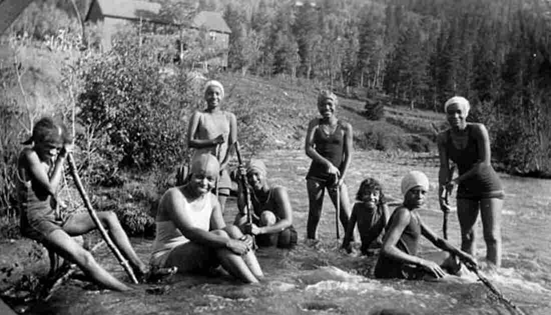 A YWCA summer camp for girls called Camp Nizhoni took place at Lincoln Hills from 1924-1945.