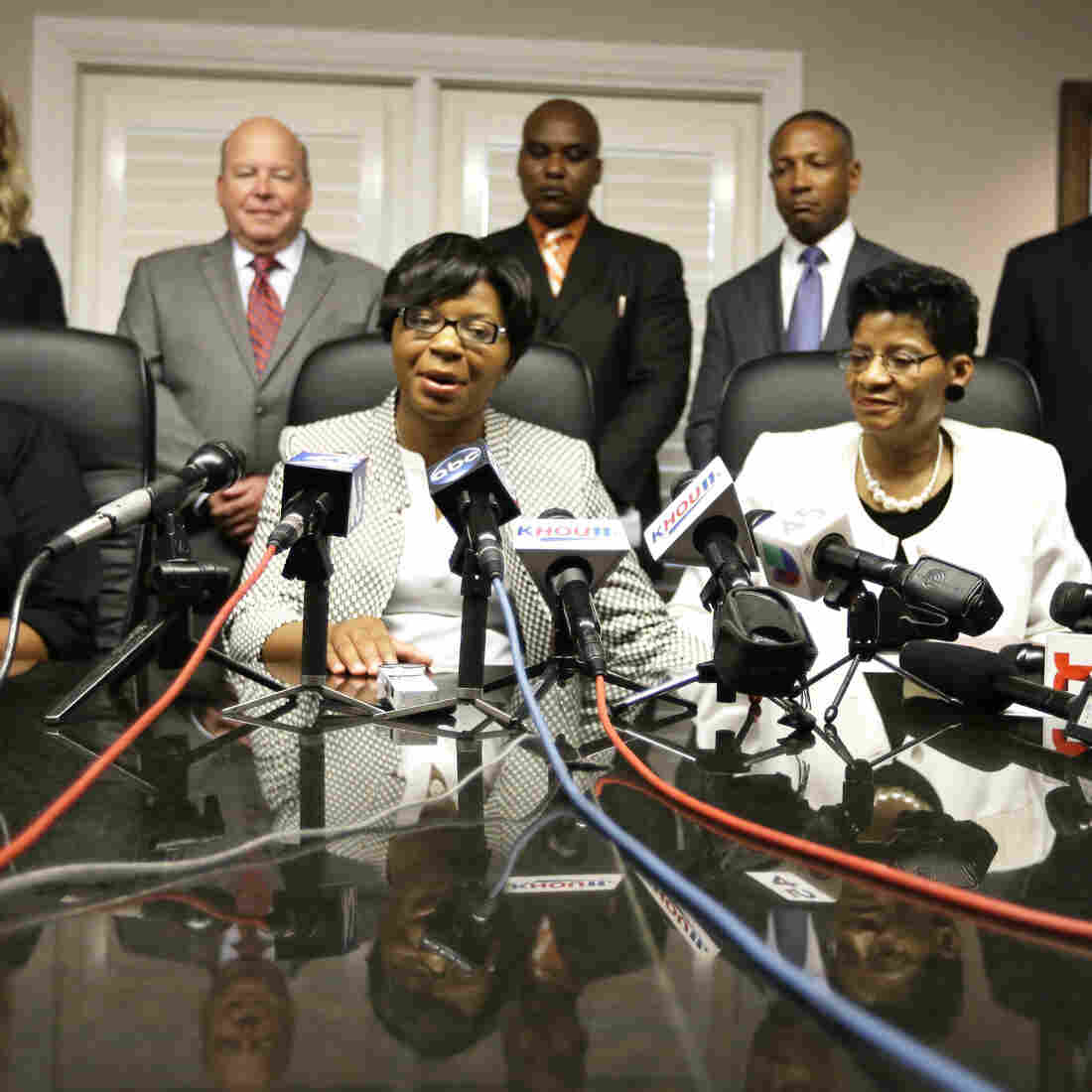 Family Of Sandra Bland Files Wrongful-Death Lawsuit