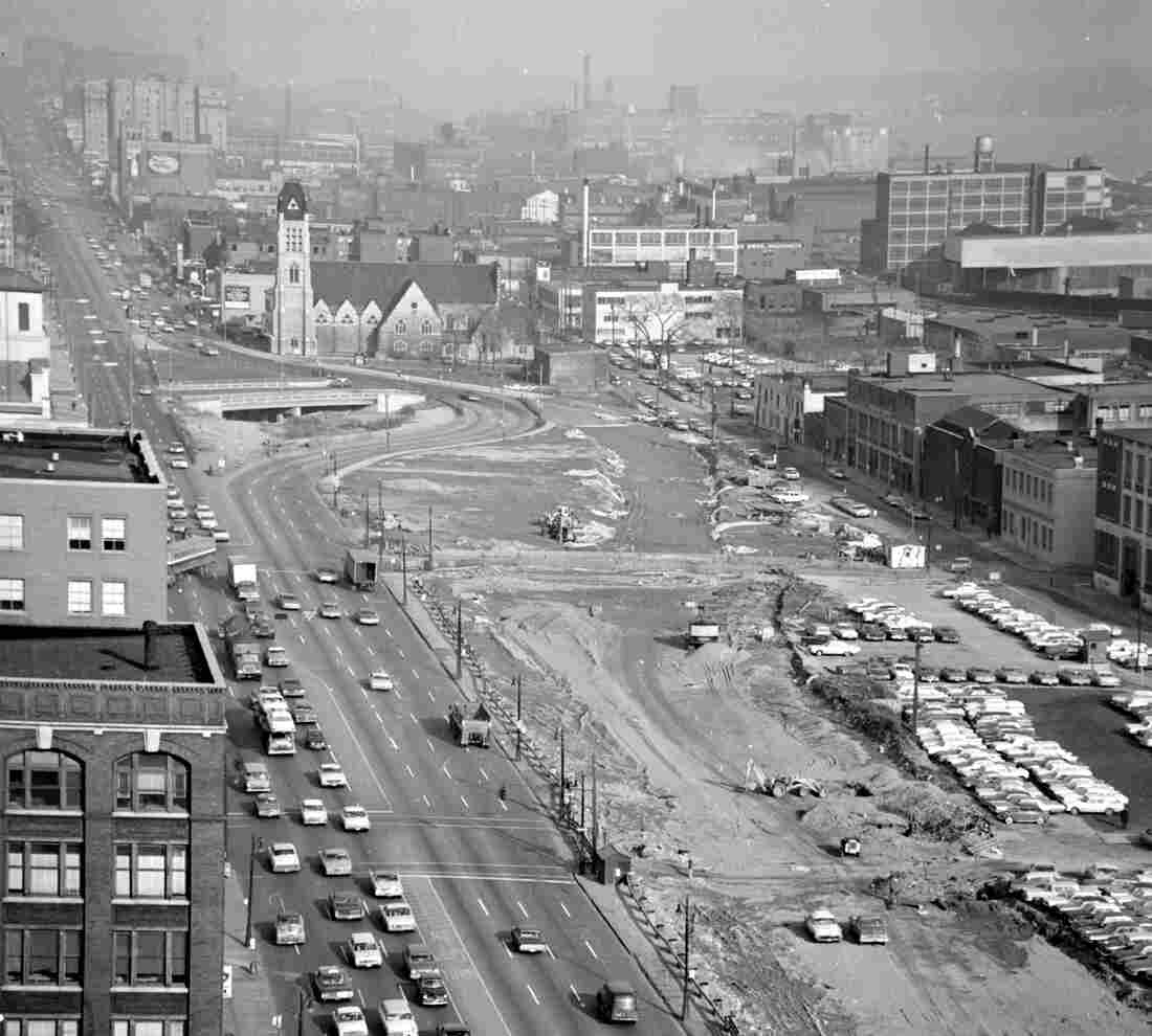 A view of the Chrysler Freeway in 1964, looking east from the roof of the City-County Building.