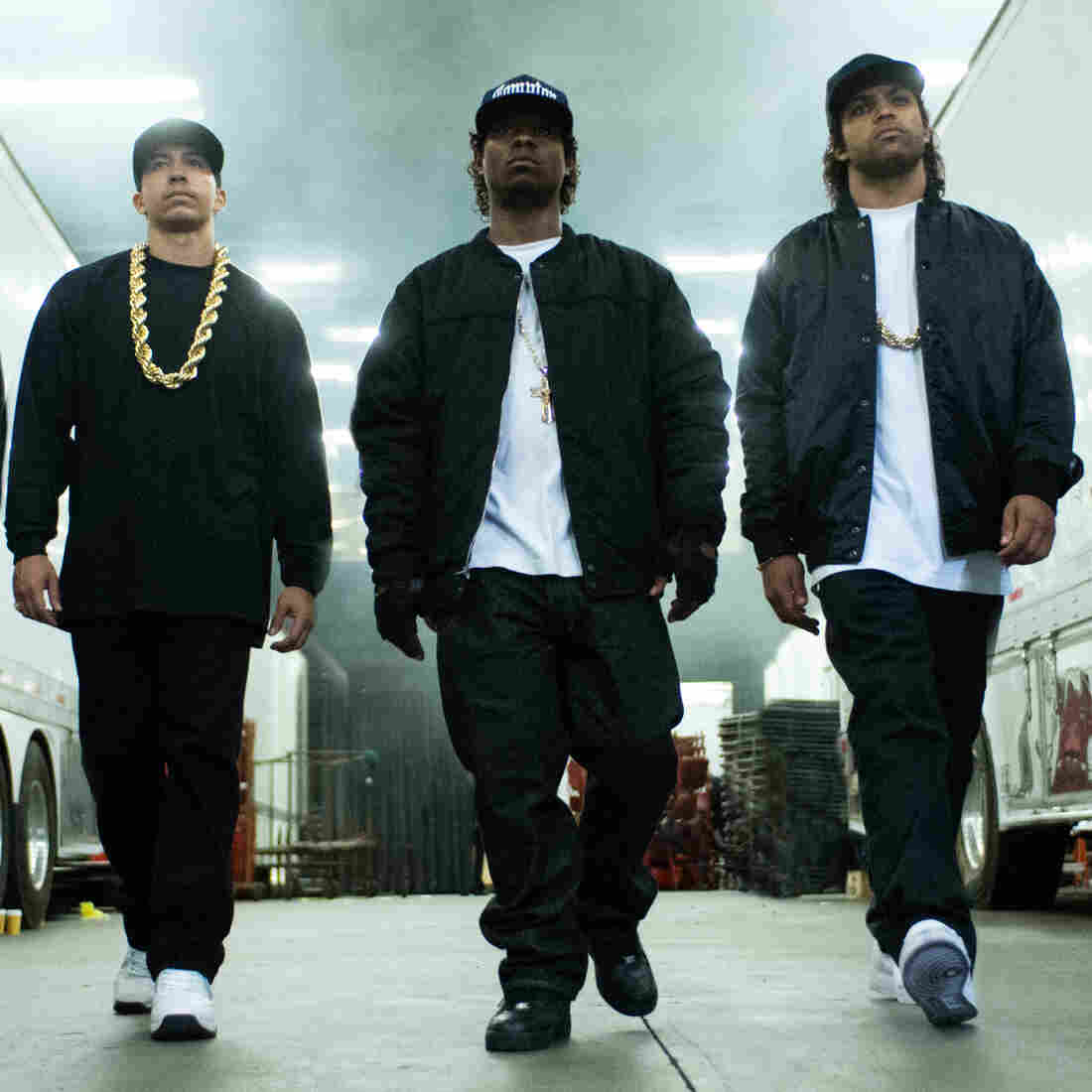 MC Ren (Aldis Hodge), DJ Yella (Neil Brown, Jr.), Eazy-E (Jason Mitchell), Ice Cube (O'Shea Jackson Jr.) and Dr. Dre (Corey Hawkins) form the NWA hip hop group in Straight Outta Compton.