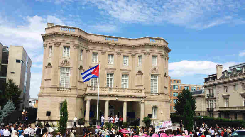 On Eve Of Embassy Reopening, Fidel Castro Says U.S. Owes Cuba 'Millions'
