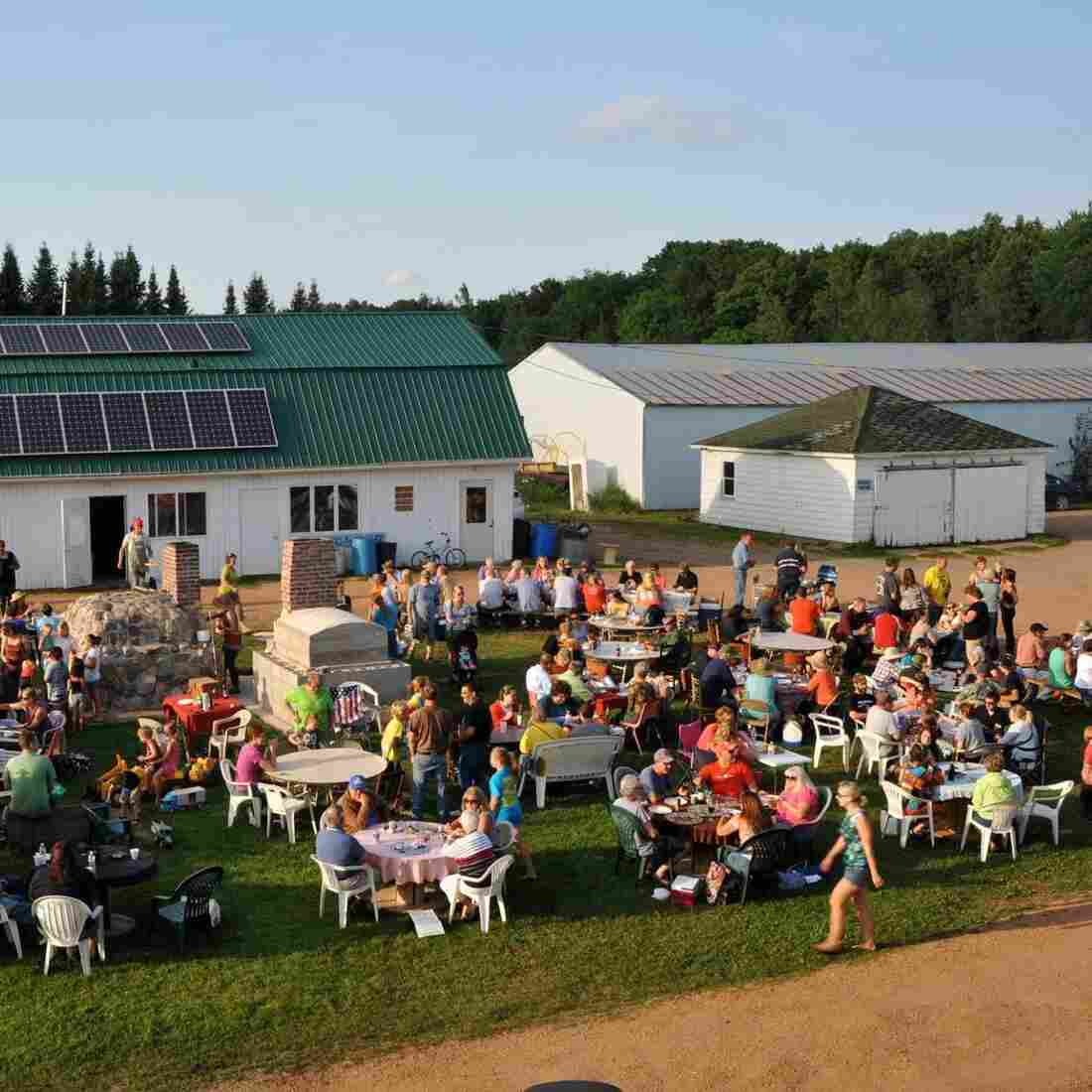 Family Farms Turn To Pizza For Fast Cash And Customers