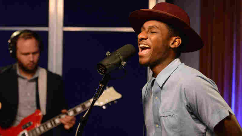 Leon Bridges, 'Better Man' (Live)