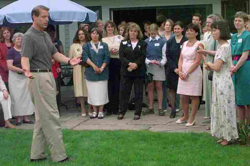 Former Vice President Al Gore speaks to a group of women activists from the Concord, N.H. area on June 3, 1999 in Concord.